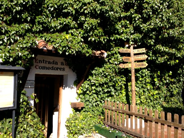 Mesón Cuevas del Vino