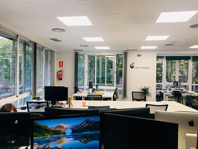 Area de trabajo en Oxygen workspace Coworking en Madrid