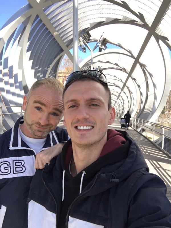 Victor y yo de paseo por Madrid Rio