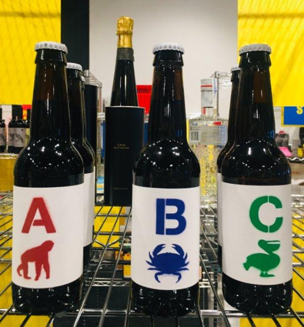 Botellas de cerveza artesana A B y C