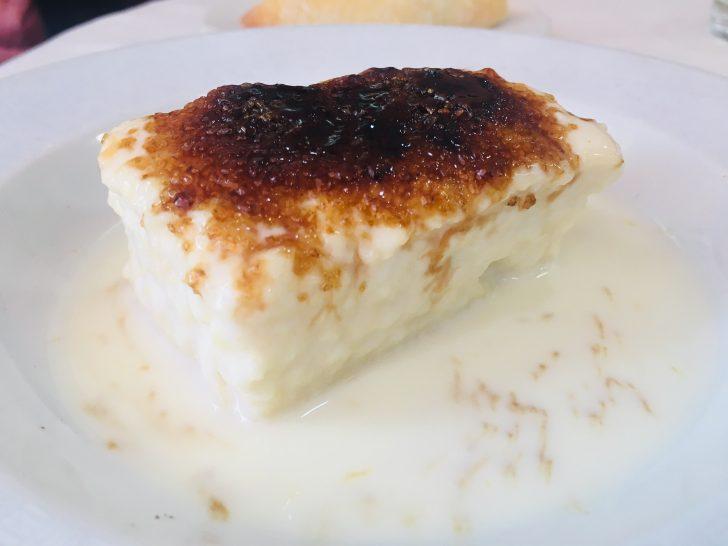 Torrija de pan de brioche con leche de coco