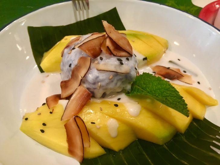 Postre de Mango y arroz cremoso en leche de coco