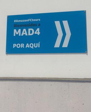 Acceso desde el parking a Amazon